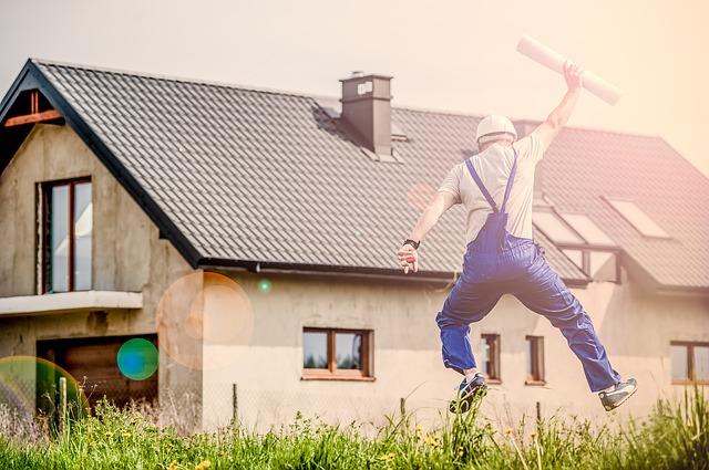šťastný stavbyvedoucí